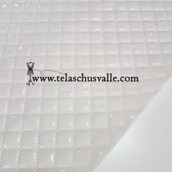 PLASTIFICADO ACOLCHADO BEIGE BRILLO
